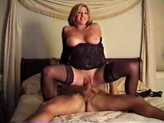Horny mature bitch in stockings gets hardcore...