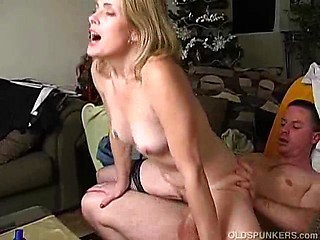 Gorgeous cougar rides cock and squirts then...