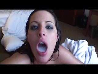 Mind blowing after shower blowjob from wet...